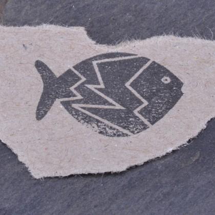Stempelabdruck-Fisch klein Zacke