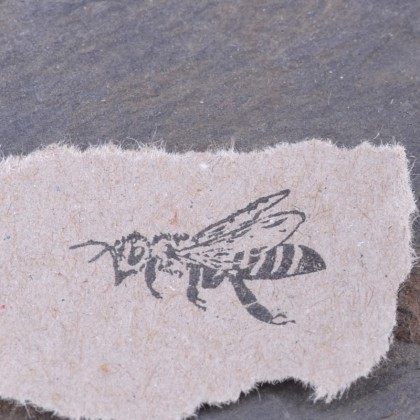 Stempelabdruck-Biene
