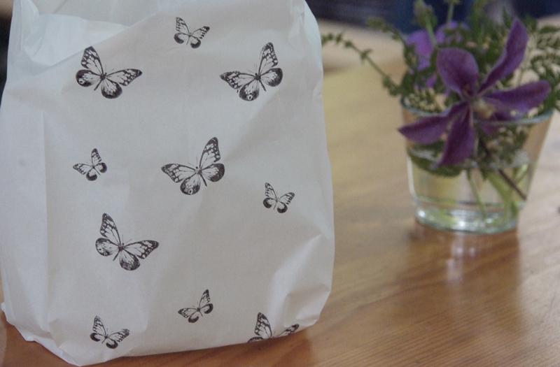 Lichttüte bedruckt mit Schmetterlingen