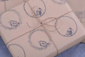 Geschenkpapier-Kraenze